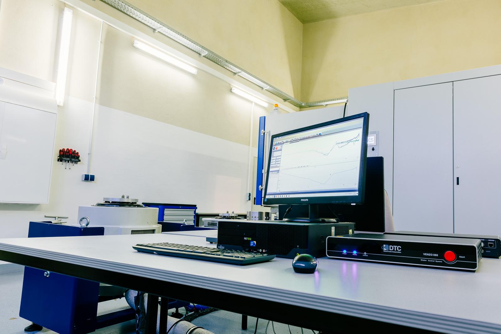 DTC Venzo 880 Vibrations Controller