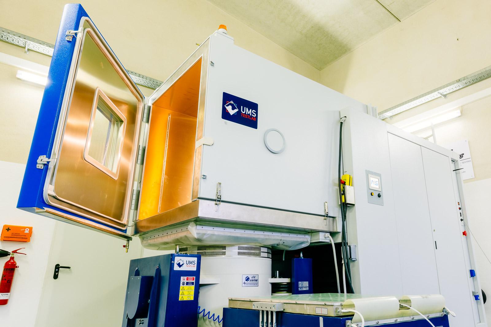 ATT Vibrokammer 1200 l & ETS 40 KN Shaker